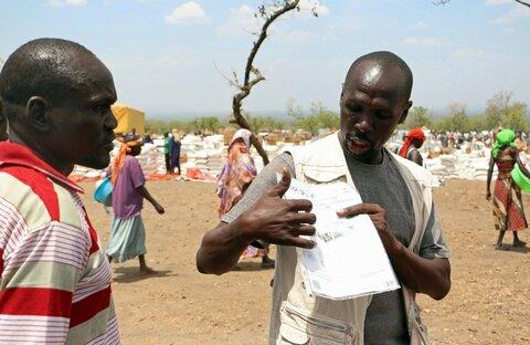 Etulinjassa niiden kanssa, jotka ovat joutuneet jättämään kotinsa — Moses Oryema, Uganda
